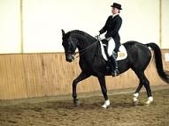 Gundega Krīgere ar zirgu Donnerwelle